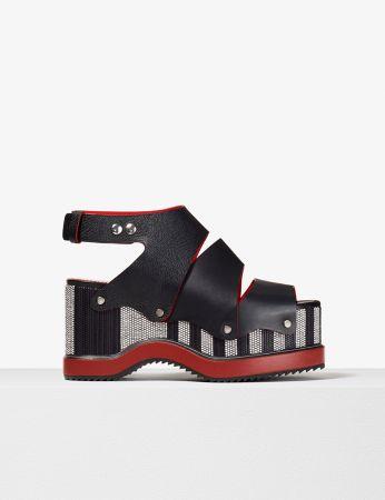 黑色厚底涼鞋,Proenza Schouler,NT43,500。