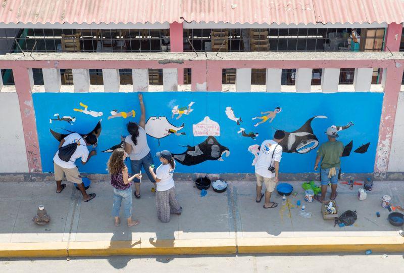 推動海洋教育有點像是一個改變社區的方式,結合所有層面把所有人拉進來。