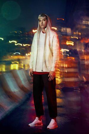 吳亦凡穿上adidas Originals XBYO系列服裝與NMD R2 PK鞋款