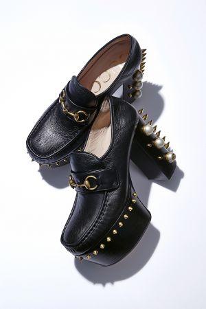 鉚釘與珍珠裝飾厚底樂福鞋,Gucci。