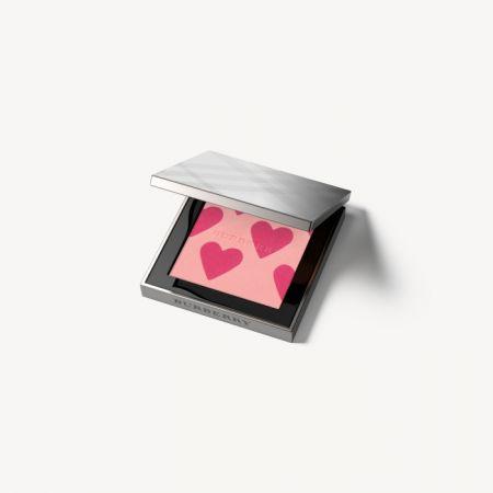 Burberry First Love 限量版愛心腮紅,$2,200