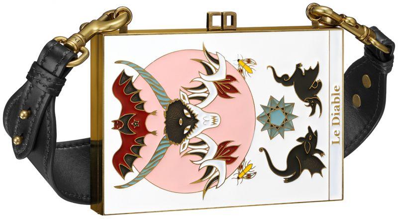 塔羅牌圖騰瓷漆手拿包,Dior,NT260,000。