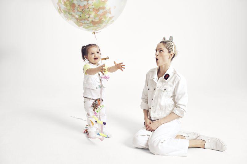 時尚超模可可羅恰(Coco Rocha)與女兒Loni(2歲)