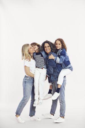 著名藝術家及攝影師Ali Bird(阿里‧伯德)攜妻子Cass Bird,兒子Leo(9歲)及女兒Mae(7歲)