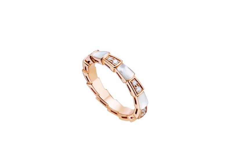 AN858042_BVLGARI SERPENTI VIPER RING玫瑰金珍珠母貝鑽石戒指,參考售價:約新台幣103,800元
