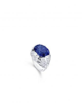 Piaget Sunlight Journey頂級珠寶系列Under The Sea 主題指環18K白金鑲嵌單顆來自馬達加斯加橢圓藍寶石 1 oval-cut (約14.28 克拉) 及鑽石