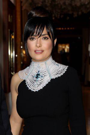莎瑪海耶克(Salma Hayek)配戴Boucheron即將於7月發表的高級珠寶系列《Hiver Impérial》現身紅毯。(5/23 Updated)