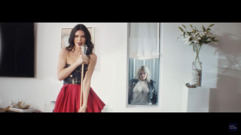 Kendall因為唇膏得到Elle King的天籟美聲
