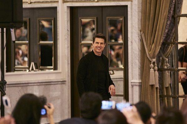 「阿湯哥」湯姆克魯斯(Tom Cruise)今天出席台北文華東方記者會,阿湯哥一到場就以湯式燦爛笑容迎接在場媒體