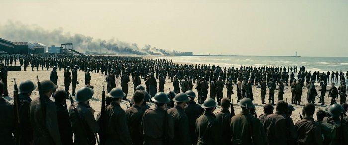 1940年,40萬英法盟軍被納粹德軍圍逼至法國港口敦克爾克,奇蹟地在9天內撤出80%的將士,這場死裡逃生的成功撤退史稱「發電機行動」。