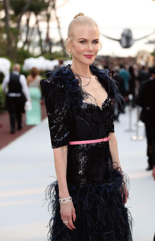 海瑞溫斯頓Harry Winston贊助amfAR坎城慈善晚宴。妮可基嫚(Nicole Kidman)繼坎城影展後,再度配戴海瑞溫斯頓珠寶璀璨出席。(5/26 Updated)
