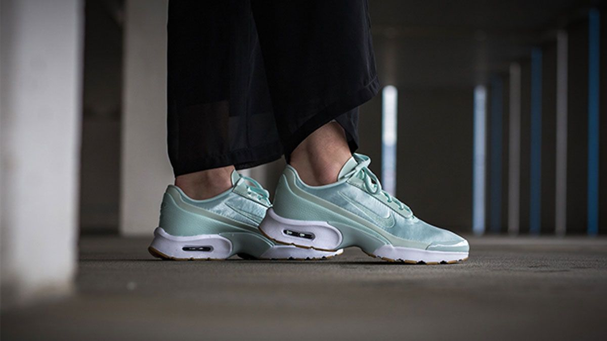 夏日裡的小清新球鞋!緞面、刺繡、粉嫩色…集各種夢幻元素於一身的Nike Air Max Jewell開箱