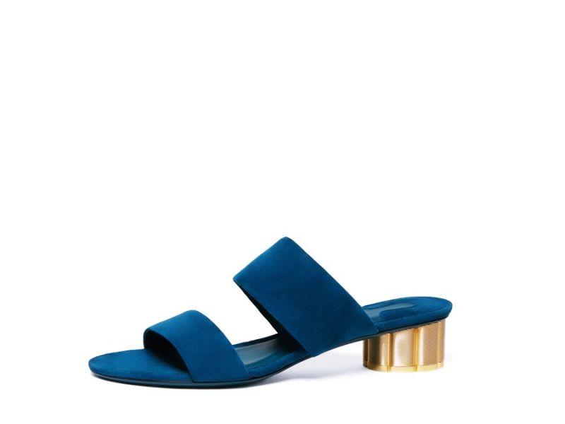 BELLUNO藍色麂皮花漾跟拖鞋, 建議售價NT$21,900