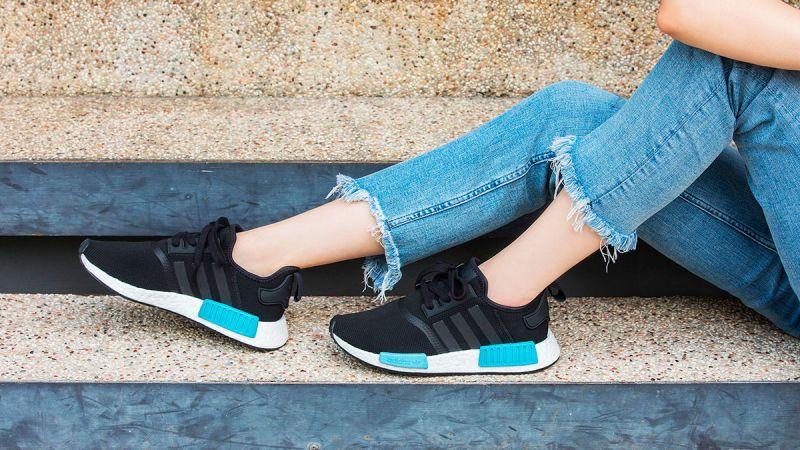 仲夏最燒心的鞋款都在這裡了,又甜又帥的的NMD_R1,根本就是無法躲開,別猶豫太久了,這次錯過一定會很扼腕啊!