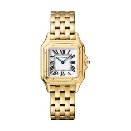 Panthère de Cartier卡地亞美洲豹黃K金腕錶,搭載石英機芯,八角形錶冠鑲嵌藍寶石,中型款,參考價格約NT$ 710,000。