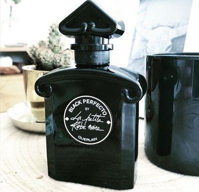 黑色瓶身內盛裝的,其實是一種充滿危險的氣味,這個感性又帶著女人獨特性格的氣味,就是玫瑰。