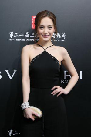 鍾欣潼配戴BVLGARI頂級珠寶系列出席上海電影節義大利電影周開幕