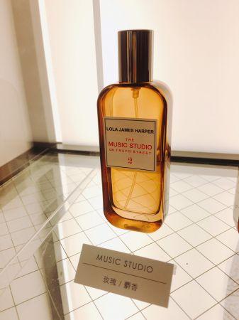 Lola James Happer品牌名為Music Studio錄音室的香氛,乃文對它的氣息相當感興趣!