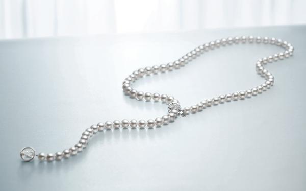 MIKIMOTO 南洋真珠鑽石長鍊,920,000元。