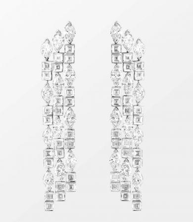 Secrets and Lights - A Mythical Journey by Piaget耳環18K白金鑲嵌24顆馬眼形切割鑽石(約8.4克拉)及48顆矩形切割鑽石(約6.0克拉)G38M3700台幣參考價格 5,250,000 元