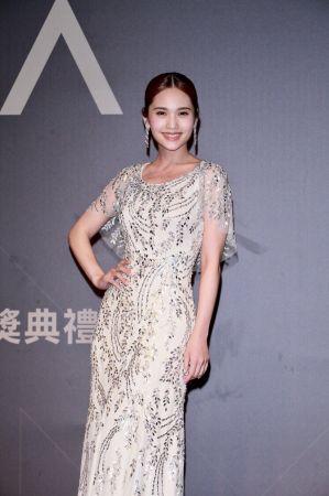 年度歌曲獎入圍的楊丞琳,以Piaget伯爵的鑽石流蘇耳環與戒指,搭配小露性感的禮服閃耀紅毯。