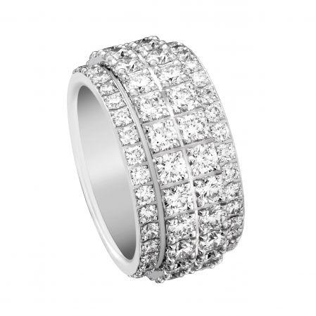 Possession 旋轉指環18K白金鑲嵌112顆圓形美鑽(約5.45克拉)G34PY900台幣參考價格825,000 起