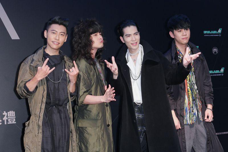 蕭敬騰與獅子合唱團。