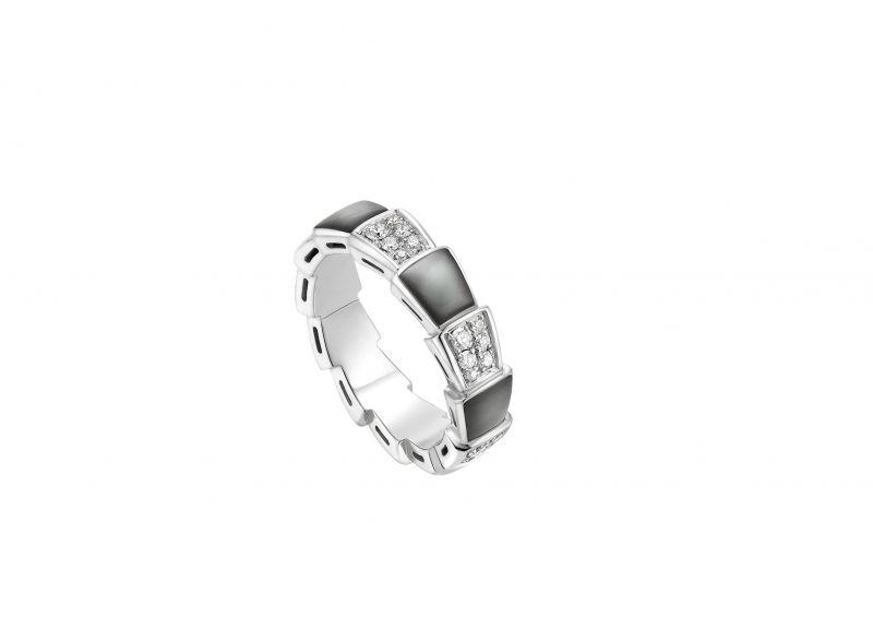 SERPENTI VIPER RING 白K金珍珠母貝鑽石戒指 參考價格 約新台幣142,700元
