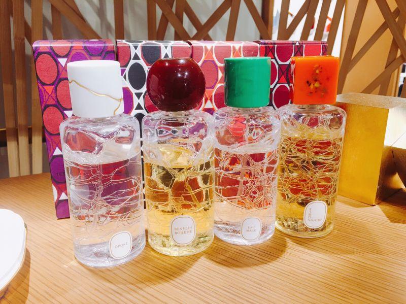 調香師珍藏系列,不同的瓶蓋分別有不同的主題