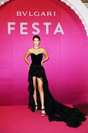 Bella Hadid 配戴BVLGARI Italian Extravaganza 系列 頂級祖母綠珠寶項鍊、BVLGARI Italian Extravaganza 系列 頂級祖母綠珠寶項鍊,約新台幣$175,606,515元