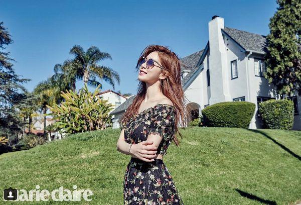 劉寅娜在韓版Marie Claire四月號配戴