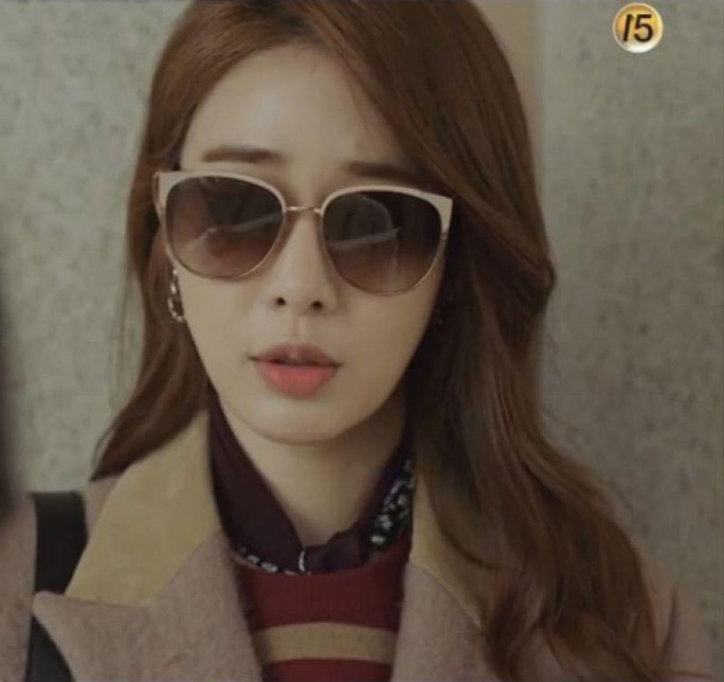 劉寅娜在韓劇《鬼怪》中配戴