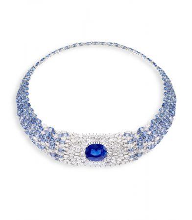 Sea Temptation主題項鍊,白K金,主石為約22.68克拉的錫蘭藍寶石,鑲嵌藍寶石及鑽石。