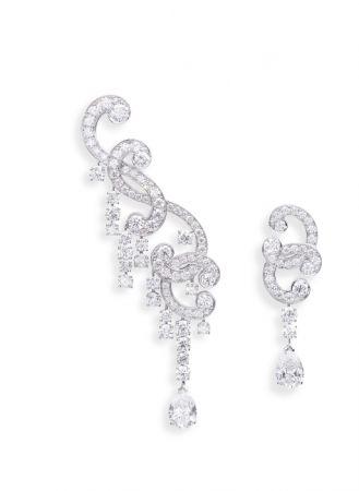 Schiuma Di Mare主題耳環,白K金鑲嵌鑽石。