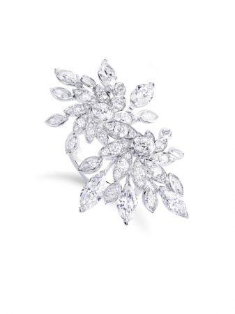 Ionus主題戒指,白K金鑲嵌鑽石。
