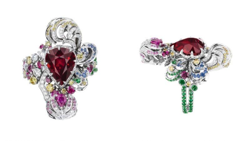 BASSIN DES NYMPHES紅寶石戒指_白K金、鑽石、紅寶石、黃鑽、祖母綠、粉紅剛玉、藍寶石,NT$ 21,000,000。