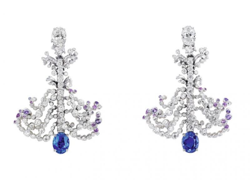 GRANDES EAUX藍寶石耳環_白K金、鑽石、藍寶石、紫色剛玉,NT$ 5,400,000。