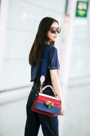 倪妮背帶 Gucci 立體蜜蜂裝飾提包