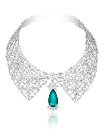 18K白金鑲嵌梨形切割36克拉祖母綠與明亮式切割85克拉鑽石,方形切割38.9克拉鑽石與橢圓形切割10克拉鑽石項鍊。