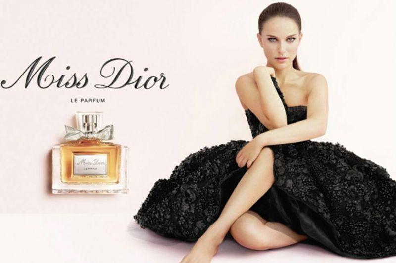娜塔莉波過去為Miss Dior拍的代言廣告