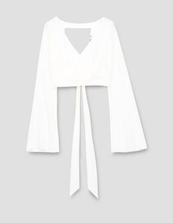 白色綁帶上衣NT690。
