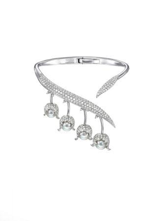 chorus valley 手環_18K 白金、鑽石、巴洛克阿古屋珍珠。