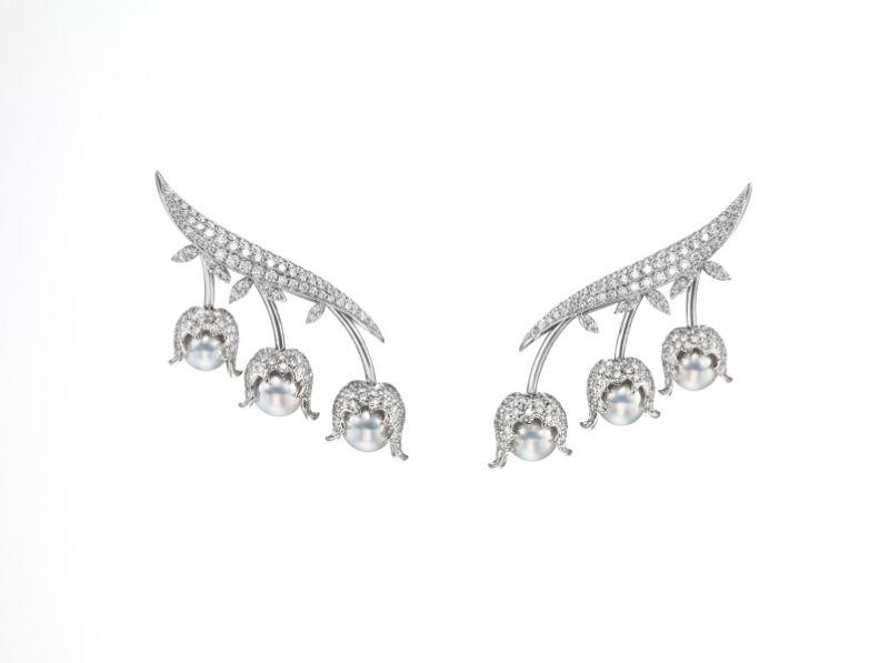 chorus valley 耳環_18K 白金、鑽石、巴洛克阿古屋珍珠。