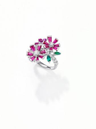 opulence 戒指_鉑金、鑽石、紅寶石、祖母綠、粉色藍寶石。