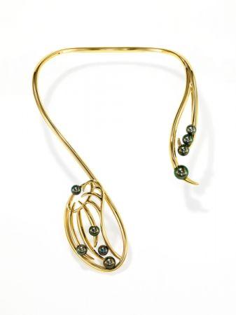 nepenthes 項鍊_18K黃金、南洋黑珍珠。