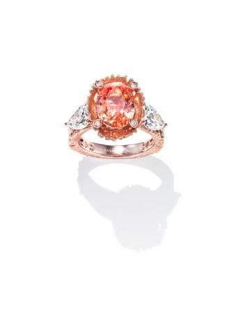 Dentelle Padparadscha 戒指_櫻花金、帕德瑪藍寶石、鑽石、彩色藍寶石。