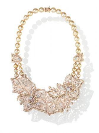 Dentelle Pearls 項鍊_18K 白金、鑽石、粉鑽、巴洛克南洋黃金珠、阿古屋珍珠。