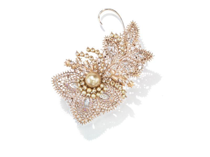 Dentelle Pearls 耳環_18K 白金、鑽石、粉鑽、巴洛克南洋黃金珠、阿古屋珍珠。