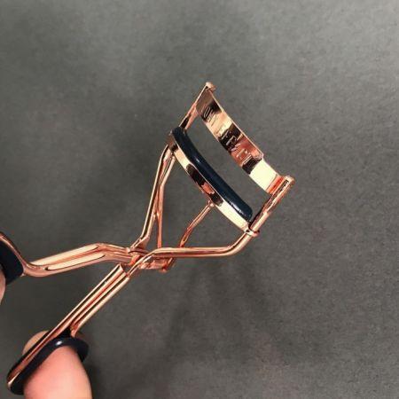 PONY EFFECT電眼專業睫毛夾,NT$290