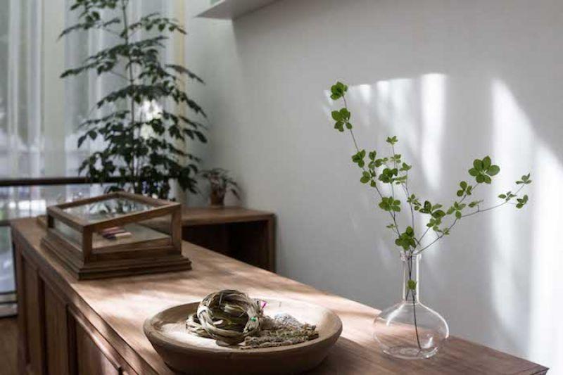 TheGreyGreen 也於全球尋找同樣關心土地,展現在地美好的生活品牌,包含發源美國西部,以永續經營採集天然植物,堅持守護土地的 Juniper Ridge,以及其他來自世界各地的設計與香氛品牌。